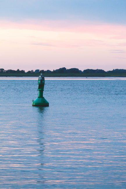 Boje auf der Elbe