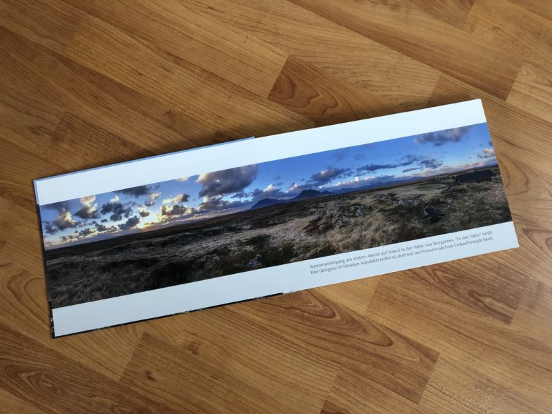 Panorama über beide Seiten des Fotobuchs