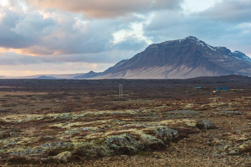 Ein Tafelberg bei Borganes auf Island